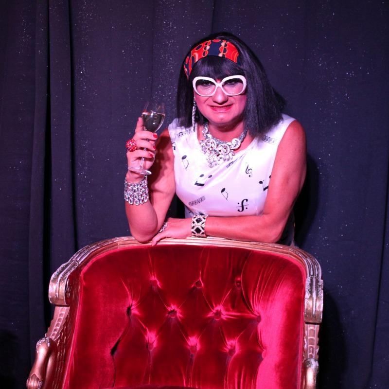 GayContest - Martine Superstar